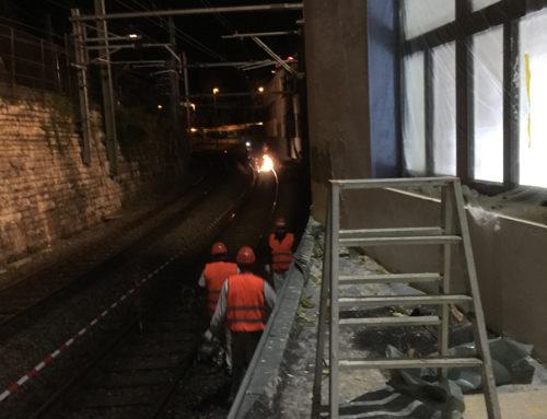 Fassadenarbeiten während der Nacht vom Bahntrasse aus